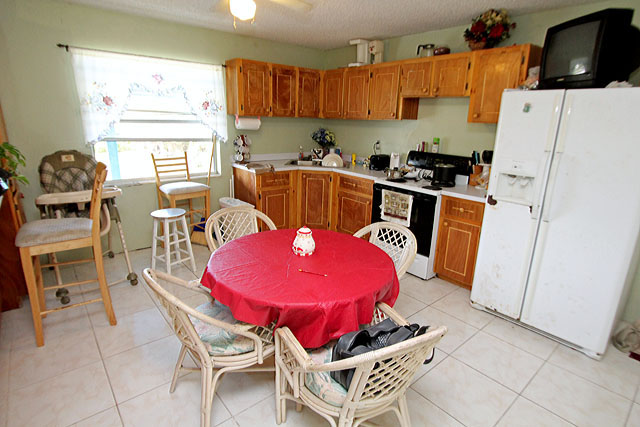Grand bahama single family home at queen 39 s cove freeport id 6732 Bahama home decor for sale