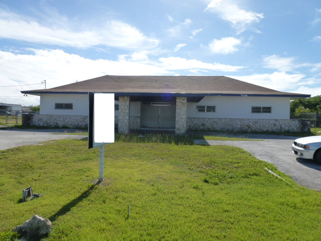 Commercial Building on Queens Highway Freeport Grand Bahama